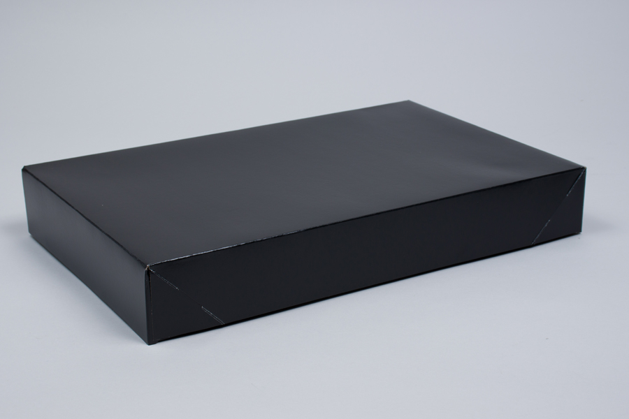 17 x 11 x 2.5 BLACK GLOSS APPAREL BOX