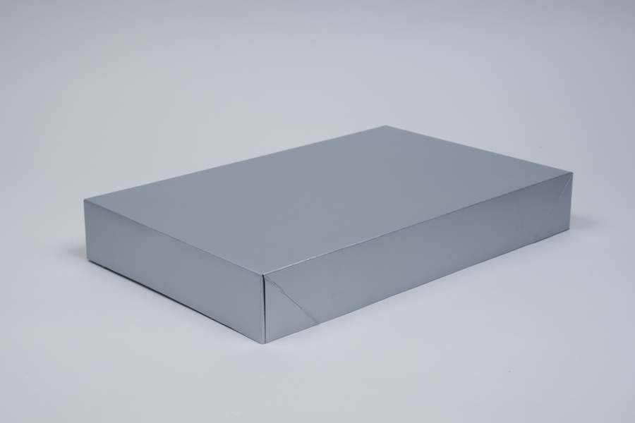 17 x 11 x 2.5 SILVER GLOSS APPAREL BOX