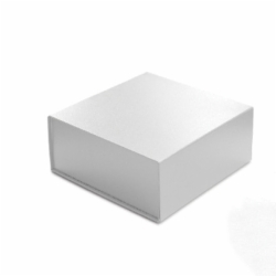 8 x 8 x 3 WHITE LEATHER MAGNETIC GIFT BOX